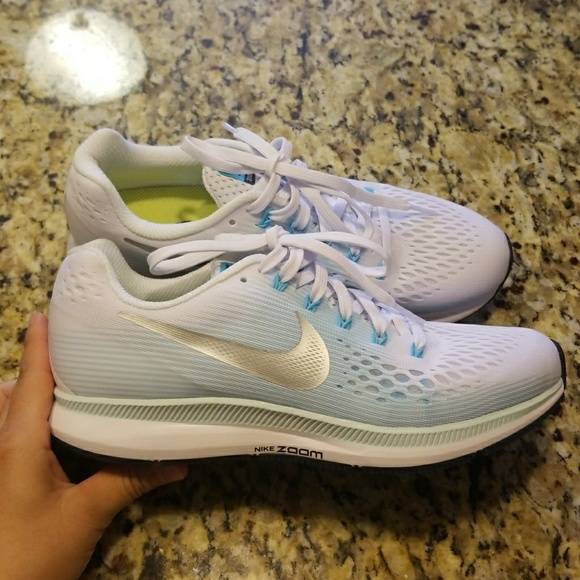 e00d5f66f28f WOMEN S NIKE AIR ZOOM PEGASUS 34   880560-104. M 5ae1f7c5f9e5017b10d4e664.  Other Shoes ...